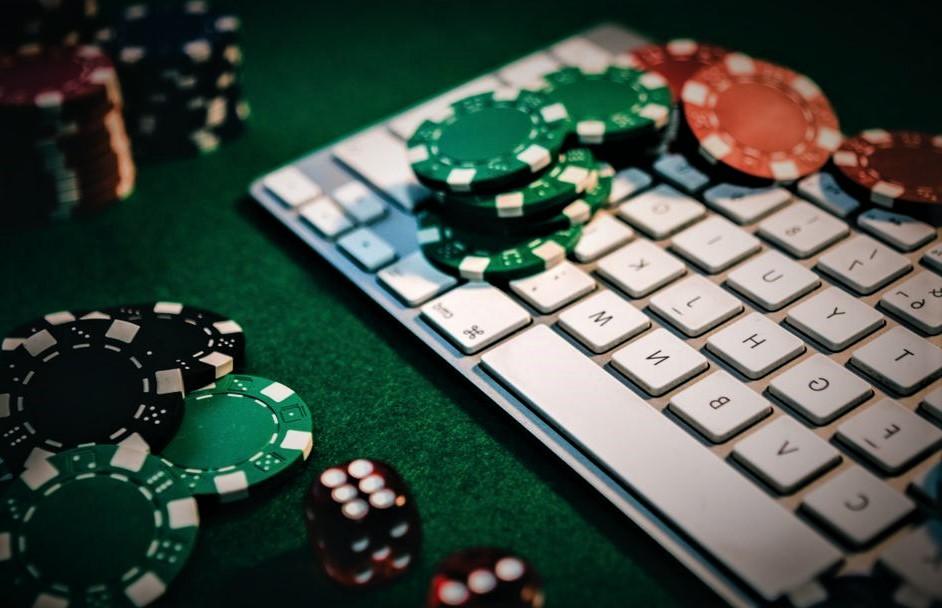 Manfaatkan Promosi Tambahan Saat Bermain Poker Online